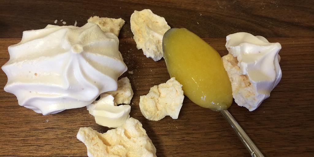Meringue und Lemoncurd